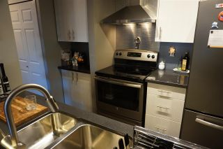 "Photo 7: 122 99 BEGIN Street in Coquitlam: Maillardville Condo for sale in ""LE CHATEAU"" : MLS®# R2344520"
