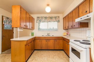Photo 10: 2418 WARRENTON Avenue in Coquitlam: Central Coquitlam House for sale : MLS®# R2537280
