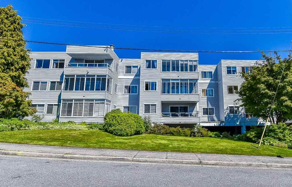 "Photo 1: Photos: 110 1354 WINTER Street: White Rock Condo for sale in ""Winter Estates"" (South Surrey White Rock)  : MLS®# R2171456"