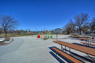 Photo 10: 824 Stella Avenue in Winnipeg: North End Residential for sale (4A)  : MLS®# 202112711