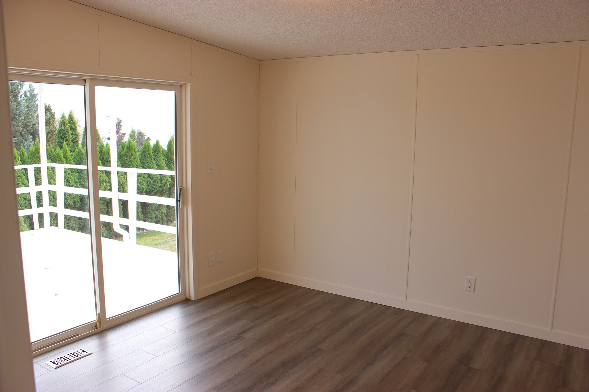 Photo 10: Photos: 22 3099 E Shuswap Road in Kamloops: South Thompson Valley Manufactured Home for sale : MLS®# 147827