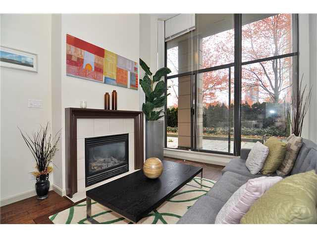 Main Photo: 208 7368 SANDBORNE AVENUE in : South Slope Condo for sale : MLS®# V979309