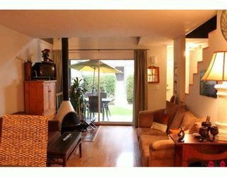 """Photo 2: 515 34909 OLD YALE Road in Abbotsford: Abbotsford East Townhouse for sale in """"THE GARDENS"""" : MLS®# F2926362"""