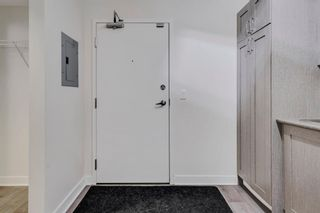 Photo 3: 604 30 Brentwood Common NW in Calgary: Brentwood Apartment for sale : MLS®# A1066602