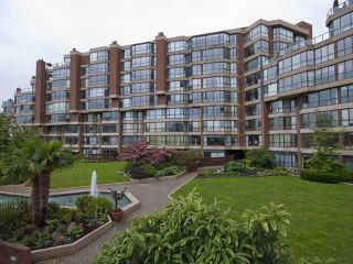 "Photo 2: 304 1490 PENNYFARTHING Drive in Vancouver: False Creek Condo for sale in ""HARBOUR COVE"" (Vancouver West)  : MLS®# V839752"