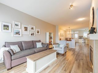 """Photo 3: 19 55 HAWTHORN Drive in Port Moody: Heritage Woods PM Townhouse for sale in """"Cobalt Sky by Parklane"""" : MLS®# R2597938"""