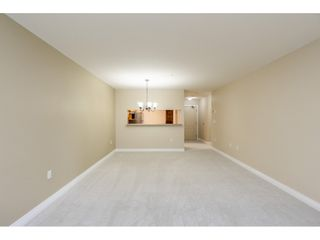 "Photo 5: 205 1569 EVERALL Street: White Rock Condo for sale in ""SEAWYND MANOR"" (South Surrey White Rock)  : MLS®# R2413623"