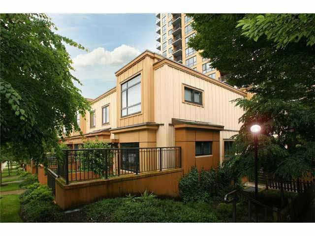 """Main Photo: 412 WESTVIEW Street in Coquitlam: Coquitlam West Townhouse for sale in """"ENCORE"""" : MLS®# V1086934"""