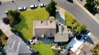 Photo 3: 31692 AMBERPOINT Place in Abbotsford: Abbotsford West House for sale : MLS®# R2609970