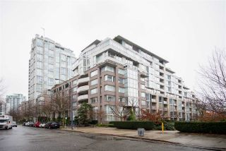Photo 1: TH103 1288 MARINASIDE CRESCENT in Vancouver: Yaletown Townhouse for sale (Vancouver West)  : MLS®# R2229944