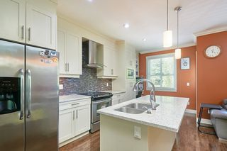 """Photo 7: 8 9077 150 Street in Surrey: Bear Creek Green Timbers Townhouse for sale in """"Crystal"""" : MLS®# R2585990"""