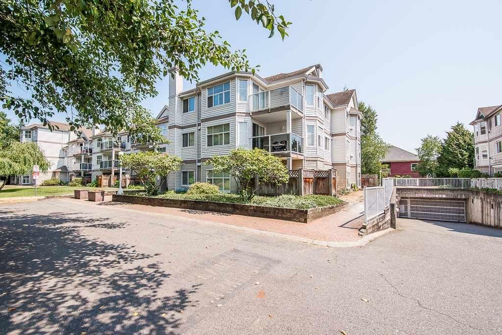 "Photo 19: Photos: 313 12739 72 Avenue in Surrey: West Newton Condo for sale in ""NEWTON COURT"" : MLS®# R2293338"