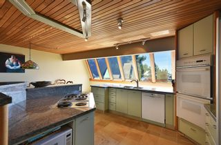 Photo 12: 6853 ISLAND VIEW Road in Sechelt: Sechelt District House for sale (Sunshine Coast)  : MLS®# R2610848