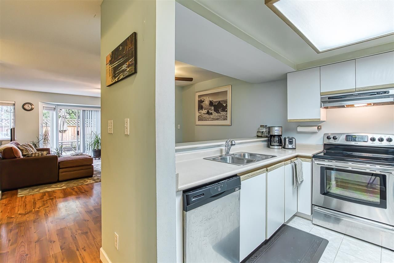 """Photo 12: Photos: 6 1215 BRUNETTE Avenue in Coquitlam: Maillardville Townhouse for sale in """"Place Fountaine Bleu"""" : MLS®# R2407958"""