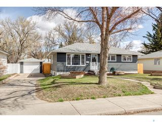 Photo 1: 1048 Grace Street in Moose Jaw: Palliser Residential for sale : MLS®# SK852566
