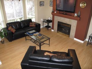 Photo 3: 219 9979 140TH Street in Surrey: Whalley Condo for sale (North Surrey)  : MLS®# F1312016
