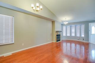 Photo 2: 20208 116B Avenue in Maple Ridge: Southwest Maple Ridge House for sale : MLS®# R2116409