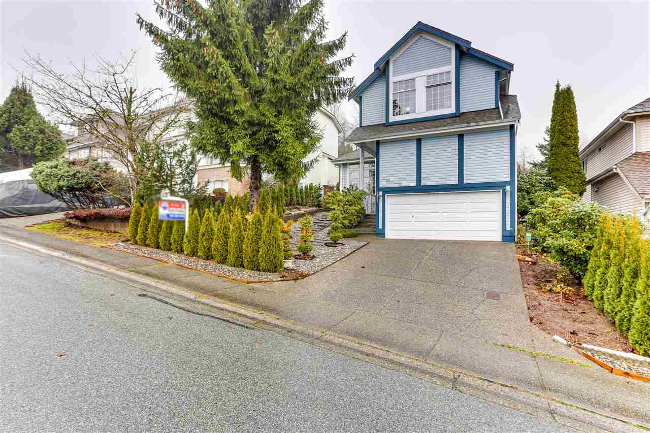 Main Photo: 2927 MEADOWVISTA Place in Coquitlam: Westwood Plateau House for sale : MLS®# R2522432