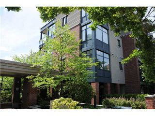 """Photo 1: 407 588 W 45TH Avenue in Vancouver: Oakridge VW Condo for sale in """"THE HEMMINGWAY"""" (Vancouver West)  : MLS®# V970203"""
