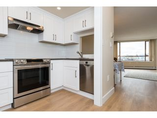 """Photo 3: 410 15111 RUSSELL Avenue: White Rock Condo for sale in """"PACIFIC TERRACE"""" (South Surrey White Rock)  : MLS®# R2152299"""