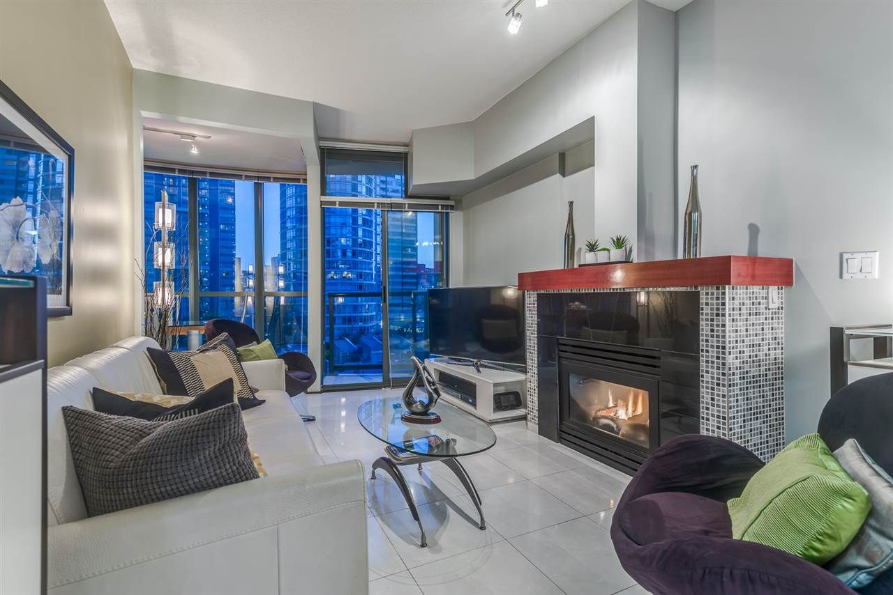 """Main Photo: 803 1239 W GEORGIA Street in Vancouver: Coal Harbour Condo for sale in """"The Venus"""" (Vancouver West)  : MLS®# R2174142"""