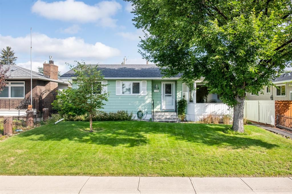 Main Photo: 1836 Matheson Drive NE in Calgary: Mayland Heights Detached for sale : MLS®# A1143576