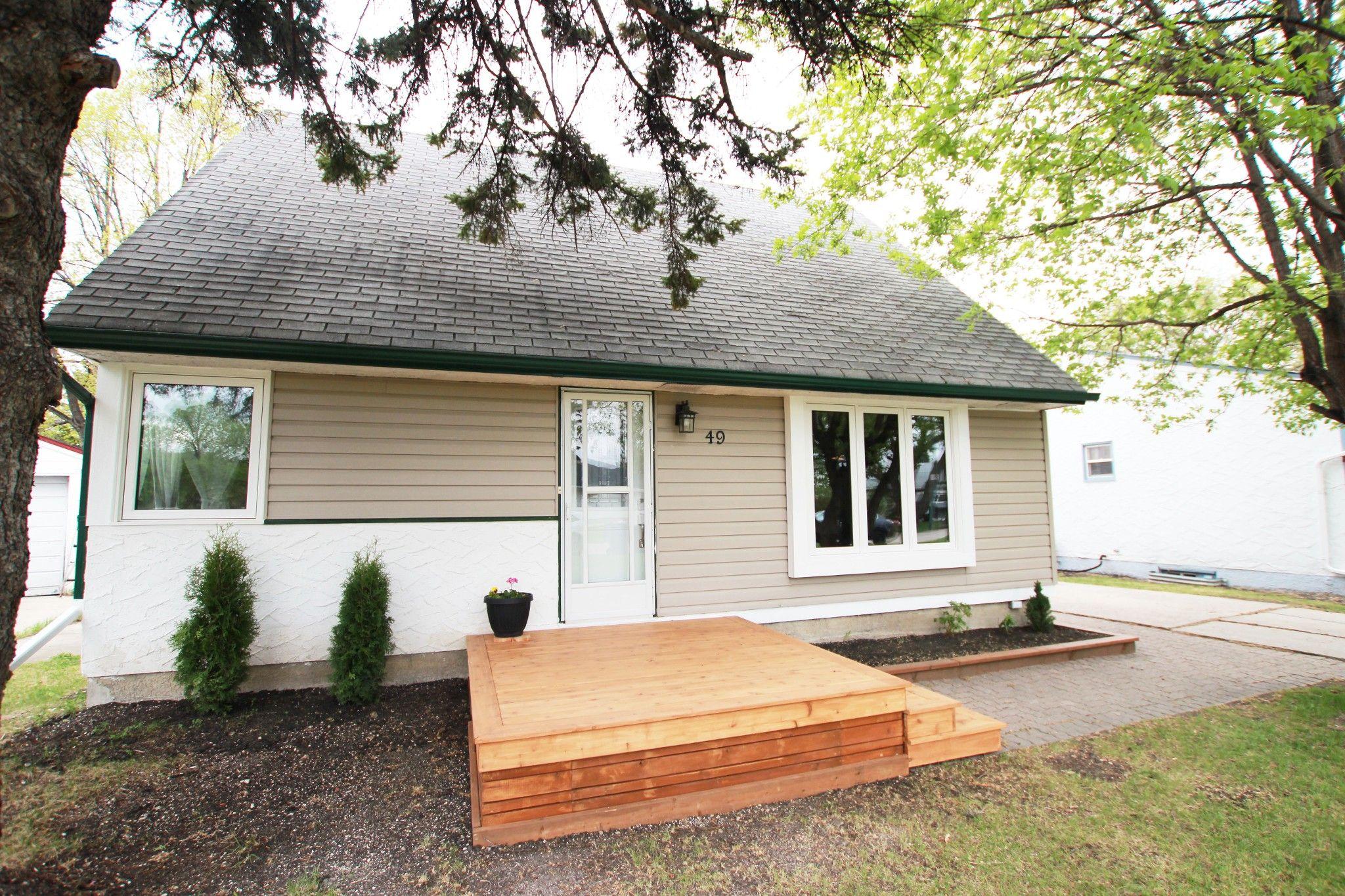 Main Photo: 49 Fidler Avenue in Winnipeg: Silver Heights House for sale (5F)  : MLS®# 1612541