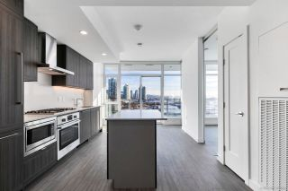 """Main Photo: 903 2351 BETA Avenue in Burnaby: Brentwood Park Condo for sale in """"STARLING"""" (Burnaby North)  : MLS®# R2525425"""