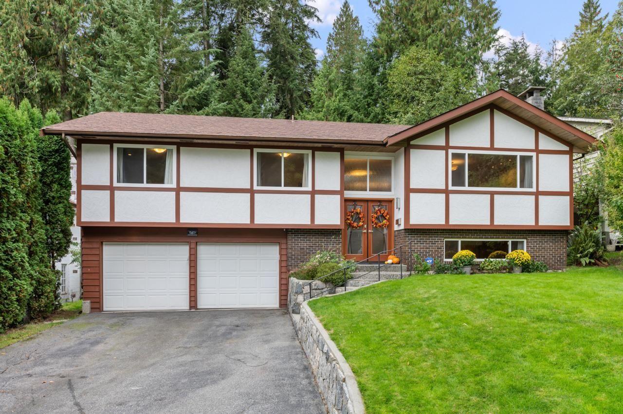 Main Photo: 5401 ESPERANZA Drive in North Vancouver: Canyon Heights NV House for sale : MLS®# R2625454