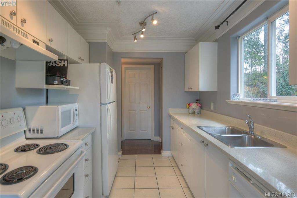 Photo 26: Photos: A & B 3232 Loledo Pl in VICTORIA: La Luxton Full Duplex for sale (Langford)  : MLS®# 811181