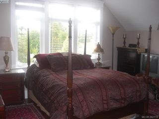 Photo 10: 1676 Chandler Ave in VICTORIA: Vi Fairfield East House for sale (Victoria)  : MLS®# 501950