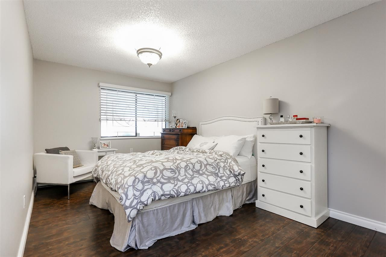 """Photo 13: Photos: 103 1484 CHARLES Street in Vancouver: Grandview VE Condo for sale in """"LANDMARK ARMS"""" (Vancouver East)  : MLS®# R2013401"""