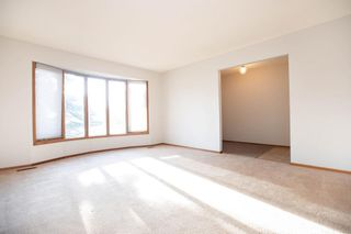 Photo 2: 135 Mayfield Crescent in Winnipeg: Charleswood Residential for sale (1G)  : MLS®# 202011350