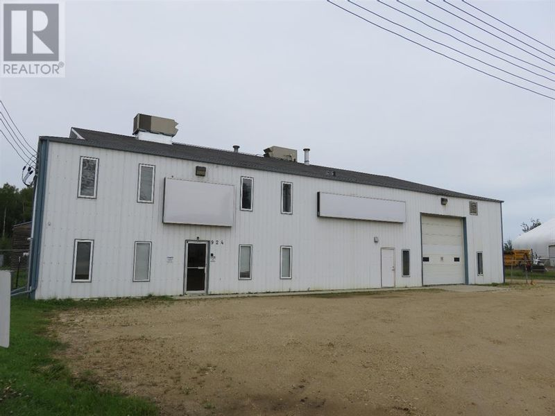FEATURED LISTING: 924 8 Street Northwest Slave Lake