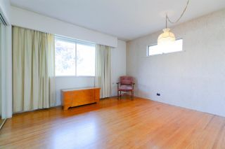 """Photo 11: 542 AMESS Street in New Westminster: The Heights NW House for sale in """"THE HEIGHTS"""" : MLS®# R2315958"""