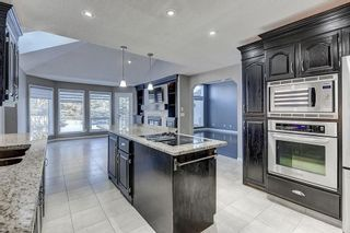 Photo 6: 864 SHAWNEE Drive SW in Calgary: Shawnee Slopes Detached for sale : MLS®# C4282551