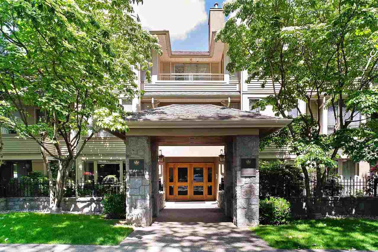 """Main Photo: 110 3777 W 8TH Avenue in Vancouver: Point Grey Condo for sale in """"THE CUMBERLAND"""" (Vancouver West)  : MLS®# R2461300"""