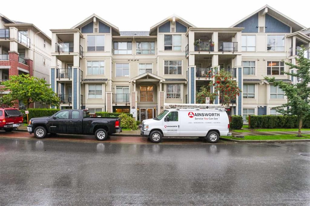 Main Photo: 204 275 Ross Drive in New Westminster: Fraserview Condo for sale : MLS®# R2109644
