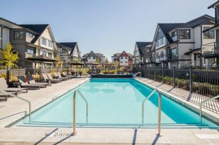 """Photo 10: 181 19451 SUTTON Avenue in Pitt Meadows: South Meadows Townhouse for sale in """"NATURE'S WALK"""" : MLS®# R2606067"""