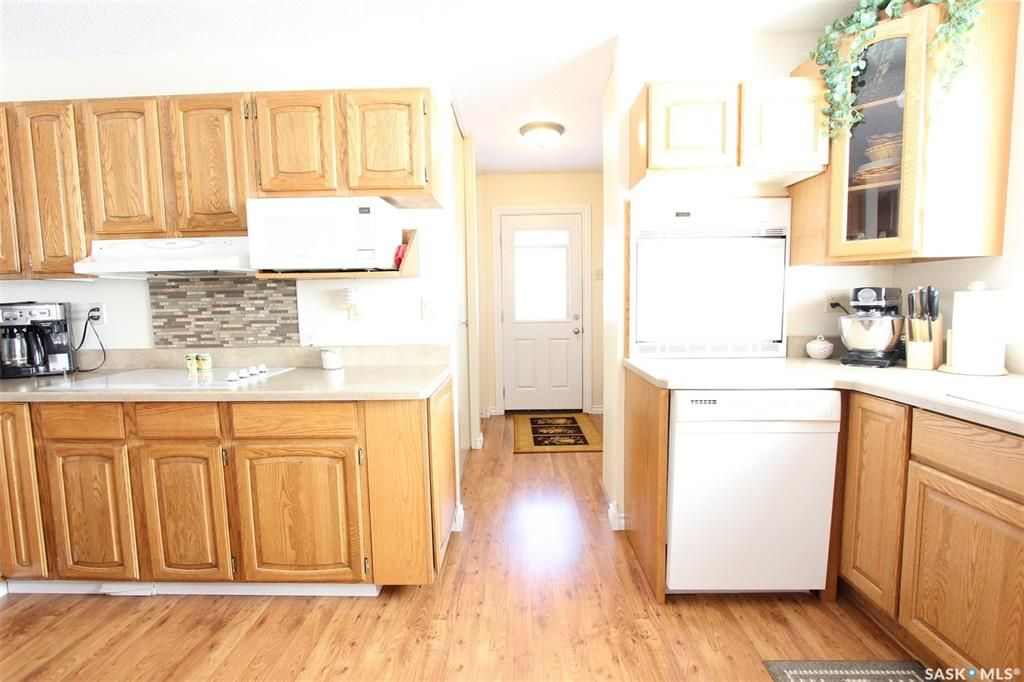 Photo 2: Photos: 1212 Cook Drive in Prince Albert: Crescent Heights Residential for sale : MLS®# SK806050