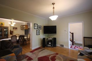Photo 5: 743 E 15TH Avenue in Vancouver: Mount Pleasant VE House for sale (Vancouver East)  : MLS®# R2605716