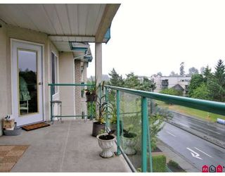 "Photo 8: 402 20433 53RD Avenue in Langley: Langley City Condo for sale in ""Countryside Estates"" : MLS®# F2918107"