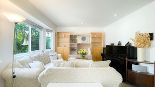Photo 4: 879 W 60TH Avenue in Vancouver: Marpole House for sale (Vancouver West)  : MLS®# R2606107