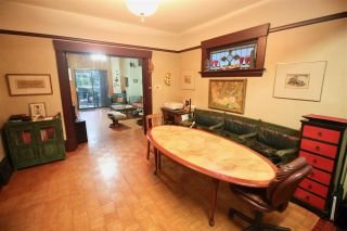 Photo 4: 1017 E 13TH Avenue in Vancouver: Mount Pleasant VE House for sale (Vancouver East)  : MLS®# R2426975