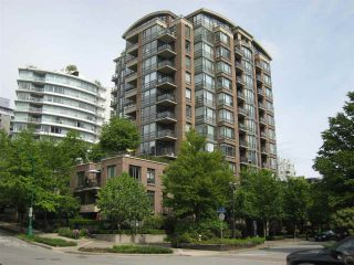 "Photo 1: 409 170 W 1ST Street in North Vancouver: Lower Lonsdale Condo for sale in ""ONE PARK LANE"" : MLS®# R2456547"