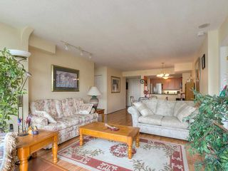 """Photo 8: 1708 7380 ELMBRIDGE Way in Richmond: Brighouse Condo for sale in """"The Residences"""" : MLS®# R2591232"""