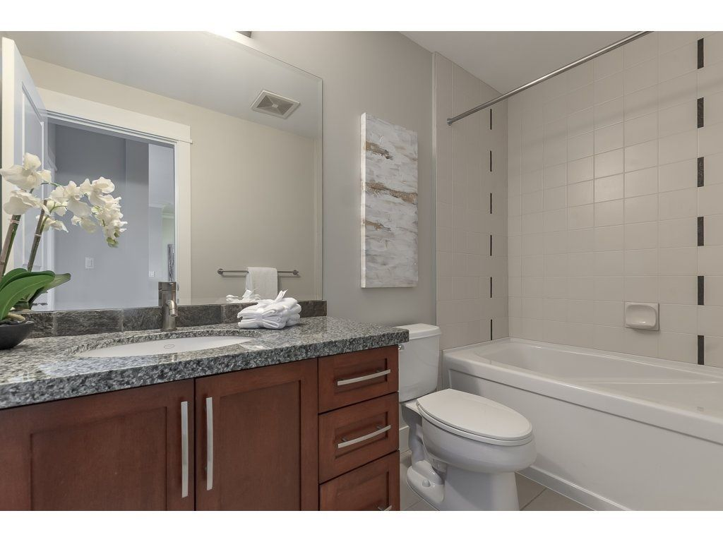 """Photo 18: Photos: 318 5430 201 Street in Langley: Langley City Condo for sale in """"The Sonnet"""" : MLS®# R2282213"""