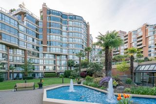 "Photo 4: 209 1470 PENNYFARTHING Drive in Vancouver: False Creek Condo for sale in ""HARBOUR COVE"" (Vancouver West)  : MLS®# R2268174"