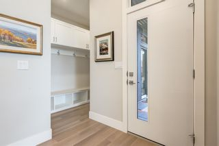 Photo 5: 5423 Ladbrooke Drive SW in Calgary: Lakeview Detached for sale : MLS®# A1080410