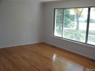 Photo 3: 99 Lennox Avenue in WINNIPEG: St Vital Residential for sale (South East Winnipeg)  : MLS®# 1424381